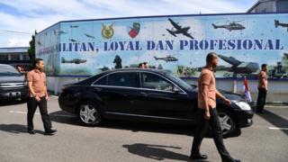 Paspampres mengawal Jokowi