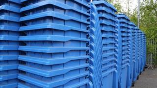 Mansfield wheelie bins