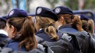 Qadın polislər