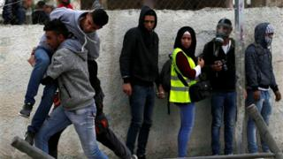 جريح فلسطيني