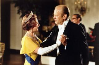 Gerald Ford dancing with Queen Elizabeth II at the ball at the White House, Washington, during the 1976 Bicentennial Celebrations of the Declaration of Independence