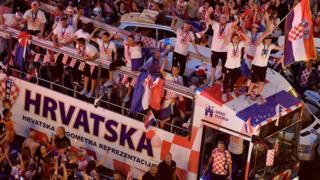Les joueurs de l'équipe nationale de Croatie et leurs fans
