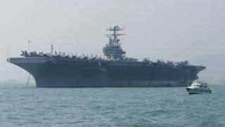 حاملة الطائرات يو إس إس أبراهام لينكولن في طريقها إلى الخليج