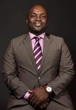 Solly Msimanga ni umunywanyi w'umugambwe Democratic Alliance, ugwanya ubutegetsi bwa Afrika Yepfo