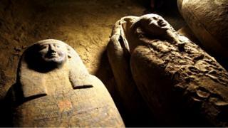Sarcófagos de la necrópolis de Saqqara