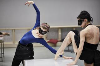 Abigail Cockrell and Rachael Gillespie in rehearsals for Casanova