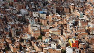 Favela na zona oeste do Rio de Janeiro