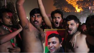 Supporters protest after expulsion of Akhilesh Yadav from Samajwadi Party