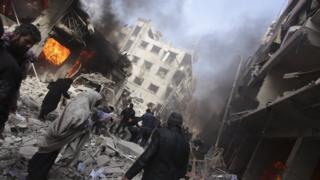 آثار غارة في سوري