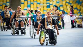 Cadeirantes treinam para abertura no Rio