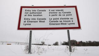Canada border sign