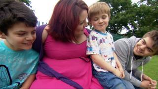 Laura Linkson with her children