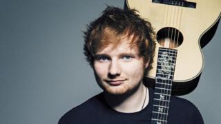 Ed Sheeran carry guitar