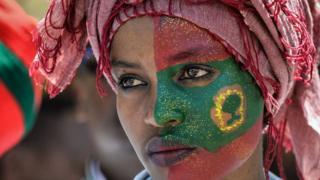 Sabon Firayim ministan Ethiopia ya kawo sauye-sauye dadama ciki har da halasta haramtacciyar kungiyar Oromo Liberation Front mai adawa da gwamnati. Wannan matar na daya daga cikin dubban mutanen da suka yi marhaba da wannan matakin.