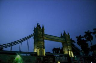 Replica of Tower Bridge in Kolkata