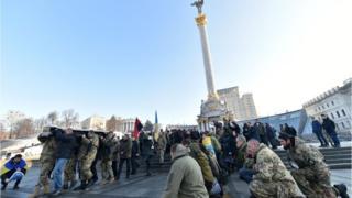 В Україні гинуть люди