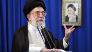 ایران کے سرواچ دھارمک نیتا ایاتلاہ خامنیئی