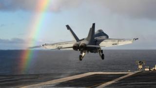 Истребитель-бомбардировщик McDonnell Douglas F/A-18 Hornet
