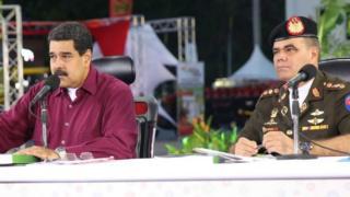 Maduro com o ministro Vladimir Padrino