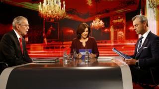 TV debate between left-leaning Alexander Van der Bellen (L) and far-right leader Norbert Hofer (R), 1 Dec 16