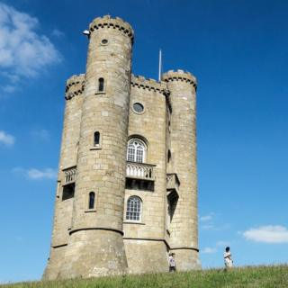 Broadway Tower, the highest little castle in the Cotswolds
