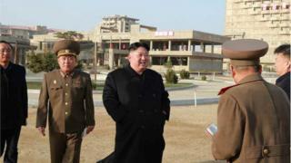 (캡션) 지난 6일 원산 갈마에서 현지 지도 중인 김정은 위원장