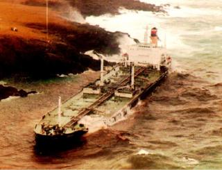 The Liberian oil tanker Braer lies on the rocks 05 January, 1993 on the Shetland Isles,