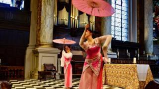 Dans Dance Company perfomers