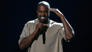 Kanye West accepts the Video Vanguard Award at the 2015 MTV Video Music Awards