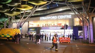 پلیس لندن گفته است مجروحین این اسیدپاشی با یک درگیری خیابانی مرتبط بودهاند.