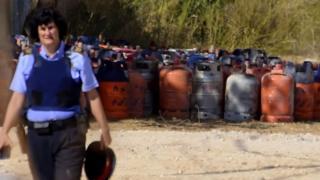 Alcanar'da baskın yapılan evde bulunan gaz kapsülleri