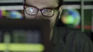 человек у компьютера