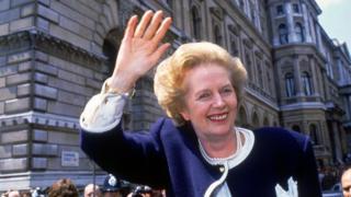 Маргарет Тэтчер премьер-министр болуп турган кезинде 4-5 саат гана уктай турганы көп айтылчу