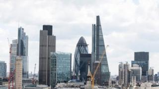 İngiltere'de patronların yüksek maaşları tartışma konusu
