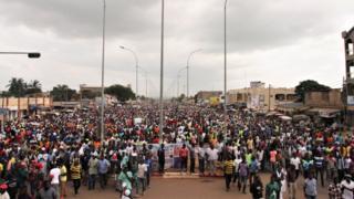 La coalition des forces démocratiques appelle les togolais à descendre à nouveau ce mardi dans les rues à Lomé et dans tous les chefs-lieux de préfecture du pays