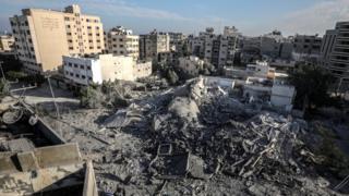 İsrail saldırılarında Hamas'ın İçişleri Bakanlığı'na bağlı güvenlik karargahı yerle bir oldu.