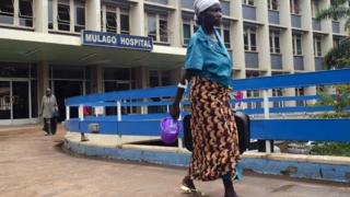 Woman wey dey for Mulago hospital, Kampala, Uganda