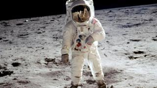Aldrin Ayın səthində