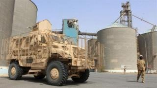 الأمم المتحدة تحذر من تلف مخازن القمح في الحديدة