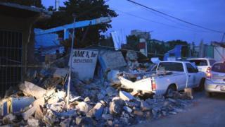 Escombros en una calle en Jojutla, después del sismo.