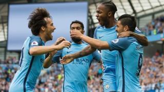 Manchester City a battu West Ham, 2-1.
