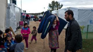 لاجئون سوريون من دير الزور