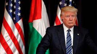 Президент США Дональд Трамп сделал свое заявление в Вифлееме, где он встретился с палестинским лидером Махмудом Аббасом.