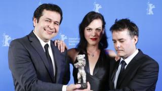 Gonzalo Maza (izq.), Daniela Vega y Sebastián Lelio.