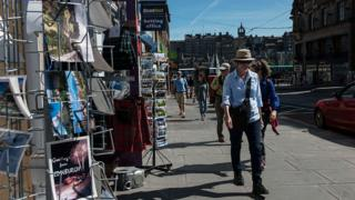 tourist in Edinburgh