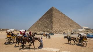 Une énorme cavité est découverte dans la pyramide de Khéops abritant la tombe du pharaon Toutankhamon