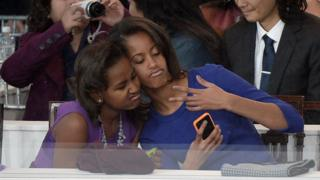 Barack Obama's daughters took a selfie during his Presidential Inaugural Parade in 2013