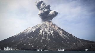 Anak Krakatau em erupção recente