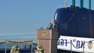 Нетаньяху на подводной лодке