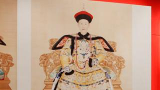 清朝乾隆皇帝畫像